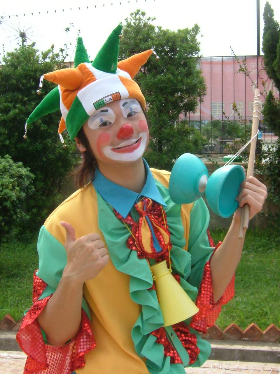 Kenneth NG: clowns stiltwalkers stiltwalker clowns stilt performers hong kong 生日會派對、小丑、扭汽球、雜耍雜技武術、舞蹈  遊戲, 小丑扭汽球、雜耍雜技