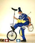 Funny Benn: clowns stiltwalkers stiltwalker clowns stilt performers hong kong 生日會派對、小丑、扭汽球、雜耍雜技武術、舞蹈  遊戲, 小丑扭汽球、雜耍雜技