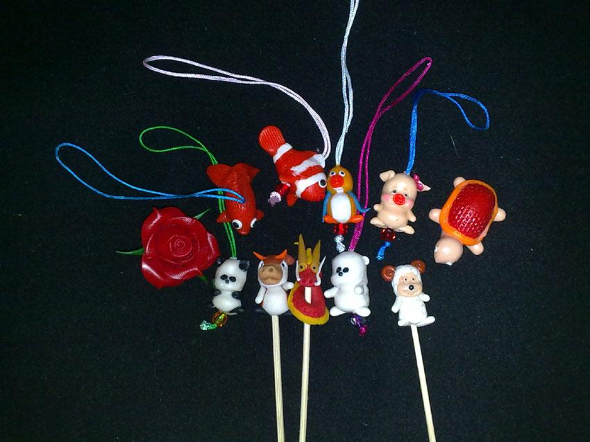Flour doll: birthday parties hong kong childrens shows magic juggling functions birthdays party hong kong 生日會派對、小丑、扭汽球、雜耍雜技, 舞蹈  遊戲, 小丑扭汽球、雜耍雜技