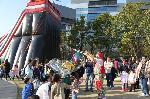 Giant Bubble: clowns stiltwalkers stiltwalker clowns stilt performers hong kong 生日會派對、小丑、扭汽球、雜耍雜技武術、舞蹈  遊戲, 小丑扭汽球、雜耍雜技