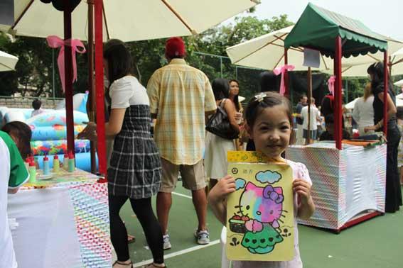 Sand Art: birthday parties hong kong childrens shows magic juggling functions birthdays party hong kong 生日會派對、小丑、扭汽球、雜耍雜技, 舞蹈  遊戲, 小丑扭汽球、雜耍雜技