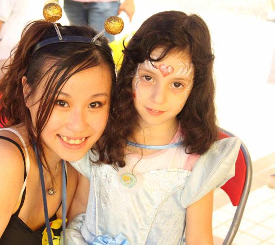 Cory: birthday parties hong kong childrens shows magic juggling functions birthdays party hong kong 生日會派對、小丑、扭汽球、雜耍雜技, 舞蹈  遊戲, 小丑扭汽球、雜耍雜技