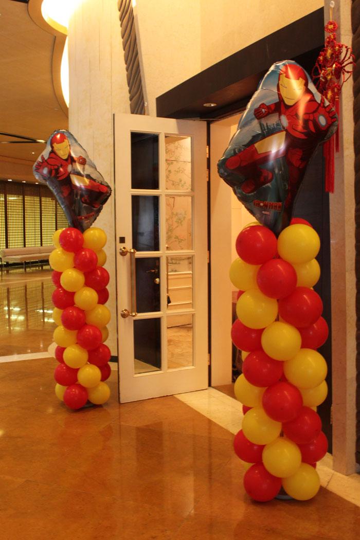 Balloon Columns: birthday parties hong kong childrens shows magic juggling functions birthdays party hong kong 生日會派對、小丑、扭汽球、雜耍雜技, 舞蹈  遊戲, 小丑扭汽球、雜耍雜技