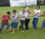 Tug-of-War: birthday parties hong kong childrens shows magic juggling functions birthdays party hong kong 生日會派對、小丑、扭汽球、雜耍雜技, 舞蹈  遊戲, 小丑扭汽球、雜耍雜技