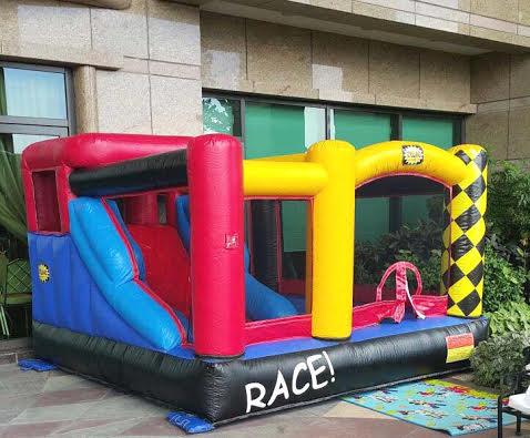 Car Combo: birthday parties hong kong childrens shows magic juggling functions birthdays party hong kong 生日會派對、小丑、扭汽球、雜耍雜技, 舞蹈  遊戲, 小丑扭汽球、雜耍雜技