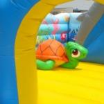 Ocean Bouncer: birthday parties hong kong childrens shows magic juggling functions birthdays party hong kong 生日會派對、小丑、扭汽球、雜耍雜技, 舞蹈  遊戲, 小丑扭汽球、雜耍雜技