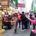 Golden statue at Causeway Bay in 2011 promotion for Pizza Hut.