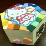 Jewelry box decorated with Hello Kitty.