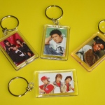 4 different pictures in key chains