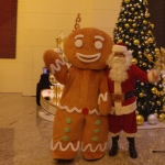 Gingerbread man at IFC with Santa PHilip