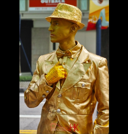 whampoa human statue from performers hk golden human statue
