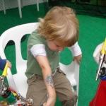 Temporary Tattoos: birthday parties hong kong childrens shows magic juggling functions birthdays party hong kong 生日會派對、小丑、扭汽球、雜耍雜技, 舞蹈  遊戲, 小丑扭汽球、雜耍雜技