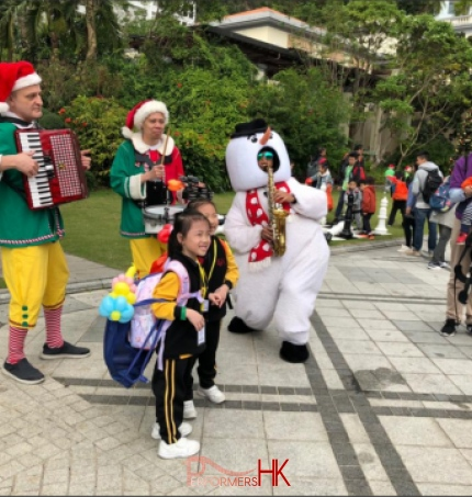 band with 2 elf character in hk repulse bay